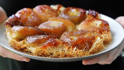 כנאפה תפוחים מקורמלים בטאבון